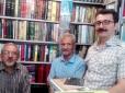 علی رضا ملک زاده، هوشنگ جمشیدآبادی و مهدی به خیال (همدان، مهرماه ۱۳۹۷، در کتابفروشی مهدی)
